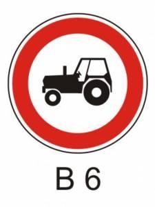 B 6 - zákaz vjezdu traktorů