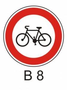 B 8 - zákaz vjezdu jízdních kol