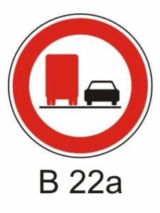 B 22a - zákaz předjíždění pro nákladní automobily